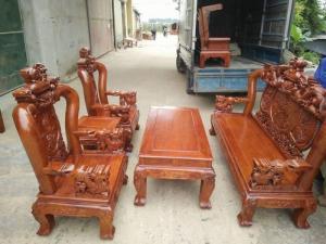 Bộ bàn ghế trạm nghê đỉnh gỗ hương vân