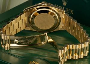 Mẫu số 1: Đồng hồ nam - Giá bán: 6.500.000