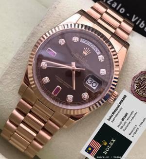 Số 1: Đồng hồ nam - Rolex DAYDATE có 2 mẫu: (off 75%) - Full 18k Gold - Full 18k Rose Gold Giá bán hiện tại bên Malaysia: 1.498 USD. Giá bán lại: 375 USD