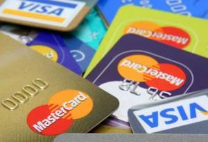 Nơi rút tiền mặt qua thẻ Visa phí cực thấp