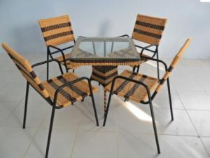 Chuyên sản xuất bàn ghế dùng cho các công trình quán : cafê,nhà hàng,quán ăn