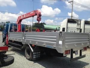 Xe tải V490 mới 100% gắn cẩu theo yêu cầu khách hàng