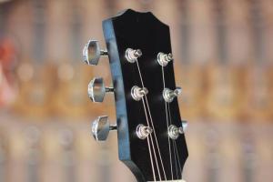 Bán đàn ghita cho người mới học Tân Phú, Tân Bình, Bình Tân, Bình Chánh, Q5, Q6, Q7, Q10. Q11