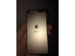 Ipod touch gen 6 gold like new