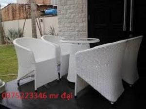 Cần thanh lý gấp 200 bộ bàn ghế nhựa giả mây xuất khẩu, dùng cho nhà hàng, cafe