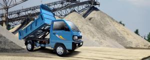 : BEN TOWNER800 đạt chuẩn EURO4. - Với mức tải lý tưởng 750 KG, thùng 0,99 khối
