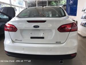 Khuyến mãi mua xe Ford Focus 2018, giao xe trong tháng