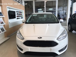 Khuyến mãi mua xe Ford Focus 2019, giao xe trong tháng