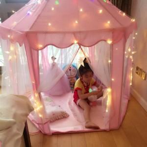 Được thiết kế với phong cách hiện đại nhưng mang đậm chất cổ tích, Lều Công Chúa với không gian thoáng và rộng rãi bé yêu của bạn thoải mái đọc sách, vui chơi tại nhà.