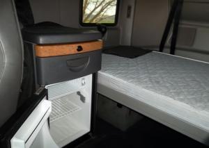 Xe đầu kéo International Đời 2012, 2 Giường