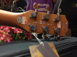 Guitar Acoustic Qiered Cực Chất + Ukulele