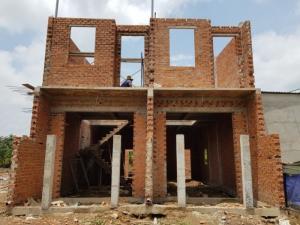 Bán đất  khu dân cư hiện hữu dt 101 m2  gần chợ Bình Chánh