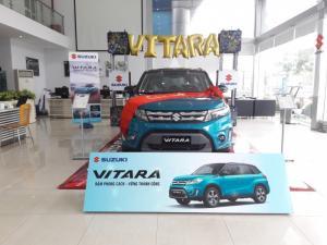 Bán xe Suzuki Vitara nhập khẩu 2017, giá 729 tr ,màu xanh nóc đen