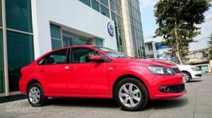 Bán ô tô Volkswagen Polo sedan đời 2017, màu đỏ, nhập khẩu, 679tr