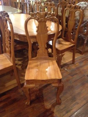 Bộ bàn ăn bàn bầu 08 ghế
