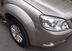 Cần bán Ford Escape xls 2010 số tự động màu hồng phấn