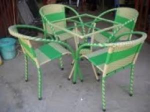Cần thanh lý gấp nhiều loại bàn ghế cà phê,ô dù che mát với giá cạnh tranh