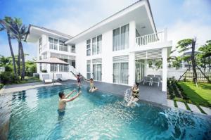 Cần Bán Voucher Nghỉ Dưỡng Tại Vinpearl (Sử Dụng Được Cho Nha Trang Bay Resort & Villa Hoặc Phú Quốc Resort & Gold)