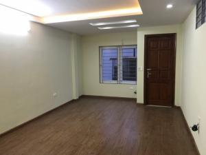Bán gấp nhà ô tô đỗ cửa ngõ 521 Trương Định, kinh doanh tốt 38m2 x 6T giá 3,5 tỷ