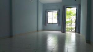 Cho thuê phòng trọ tại đường Thành Thái, Q.10. Giá 2,3-2,6 triệu, từ 14-16m2. Khu an ninh, yên tĩnh