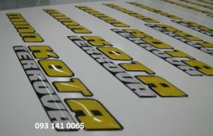 In nhãn dán chữ cái, chữ số phủ keo nổi