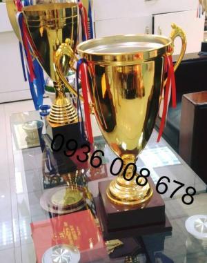 Cửa hàng cung cấp quà tặng thể thao, cúp thể thao, huy chương thể thao in khắc logo