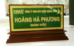 Xưởng  sản xuất biển tên chức danh,nhận cung cấp biển tên bảng tên để bàn,làm bảng tên lưu niệm