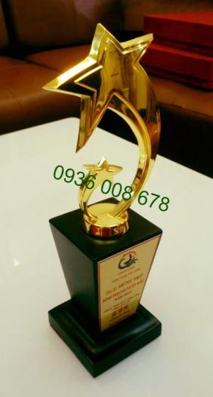 Chuyên bán cúp đồng, nhận sản xuất cúp đồng, công ty chuyên mặt hàng cúp vinh danh trên toàn quốc