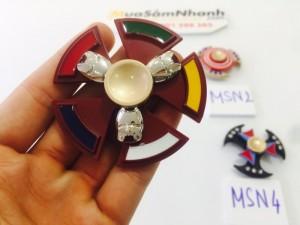 Spinner là một sản phẩm , có thể giúp loại bỏ sự bồn chồn, lo lắng, hồi hộp, các hành động vặt như rung chân, rung tay,... giúp tăng tính kiên nhẫn và khả năng tập trung.