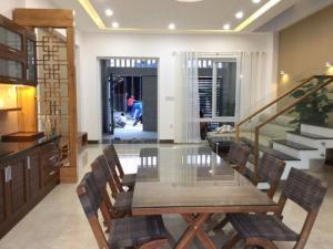Bán nhà 3 tầng đẹp mới xây dựng đường Nguyễn Bặc, Hòn Xện, Vĩnh Hoà, Nha Trang