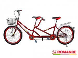 Xe đạp đôi màu đỏ