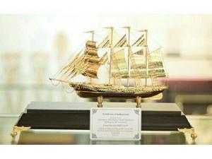 Thuyền mô hình mạ vàng 24K