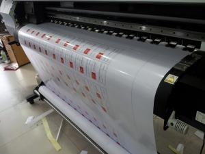 Máy in mực dầu tại In Kỹ Thuật Số chạy đơn hàng in tem decal sữa mực dầu
