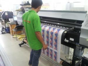 In Kỹ Thuật Số trực tiếp thực hiện in tem decal trong trên máy in mực dầu thương hiệu Nhật