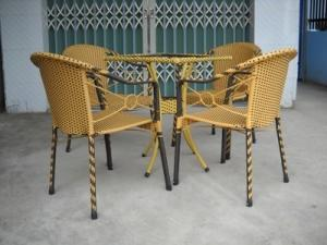 Công ty chuyên sản xuất các loại bàn ghế mây nhựa chuyên dùng cho các công trình
