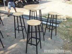 Cần bán số lượng lớn bàn ghế chân sắt mặt gỗ chuyên dùng cho quán cafe