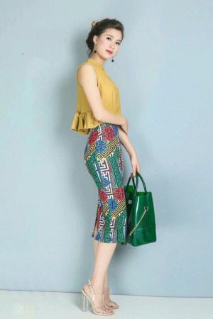 Bộ áo phối bèo váy body in hoa văn tại Minh Mạnh