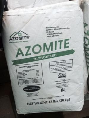 Azomite khoáng nguyên liệu Mỹ trộn, cho ăn dùng trong thủy sản