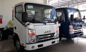 Xe tải JAC 1.99 tấn cabin đầu vuông có máy lạnh