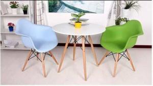 Cần thanh lý số lượng lớn ghế nhựa chân gỗ cao gấp..