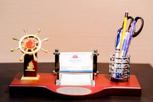 Hộp Đựng Bút Cao Cấp,bộ Quà Tặng Để Bàn,quà Lưu Niệm Giá Rẻ Ở Hà Nội