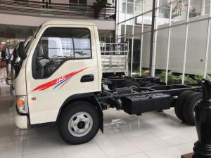 xe tải JAC 2.4 tấn màu trắng cn ISUZU tiết kiệm nhiên liệu hơn