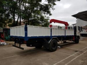 Xe Hino FC9J gắn cẩu unic 3 tấn 4 đoạn