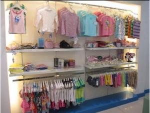 Cần tuyển nữ bán shop quần áo