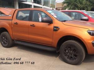 Khuyến mãi mua Ford Ranger Wildtrak 2017, số tự động, màu cam, giao xe tháng 09/2017