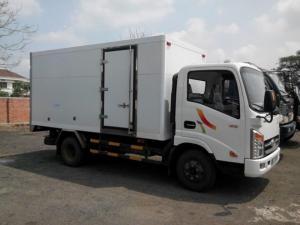 Xe tải VEAM VT200-1 tải trọng 2 tấn,thùng dài 4,3m,máy Hyundai đời 2017 vào thành phố
