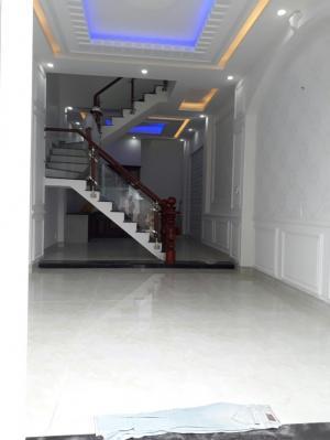 Bán nhà TL37 phường Thạnh Lộc Q12, ngay UB phường DT 4,6x16m, 1T,2L