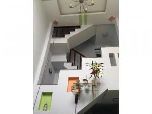 Bán căn nhà hẻm 4m 94/46b.dt: 3,2-11,5m nhà đep Đ TA 16