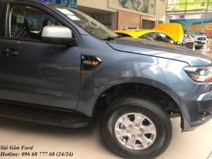 Khuyến mãi mua xe Ford Ranger XLS, số sàn, màu xanh thiên thanh, vay trả góp chỉ 150 triệu, giao xe trong 30 ngày