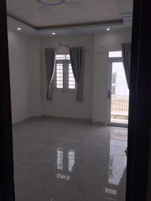 Bán nhà riêng Phạm Hữu Lầu, Q7, DT 200m2, 3 lầu, sân thượng